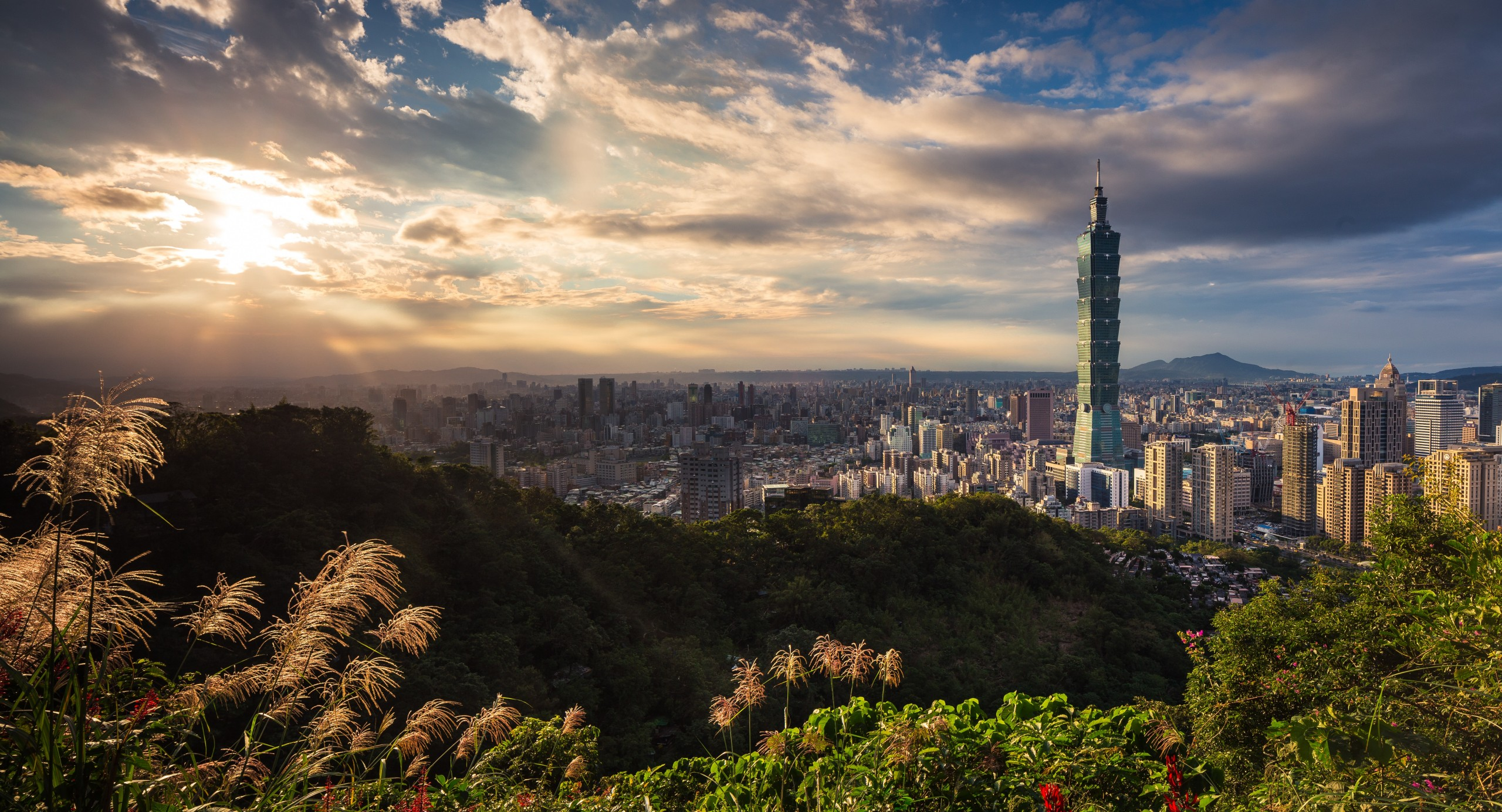 , The Foreigner's Guide to Traveling in Asia, Culturenesia